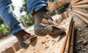 Cách lựa chọn vàbảo quản giày bảo hộ jogger hiệu quả