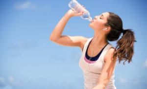 Uống nước nhiều có tăng cân không?