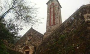 Nhà thờ đá cổ Tam Đảo – kiến trúc châu Âu giữa lòng thung lũng
